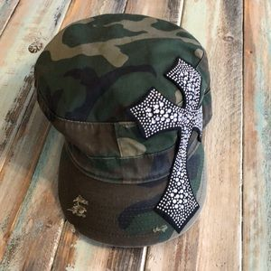 Accessories - Camo hat with bling cross